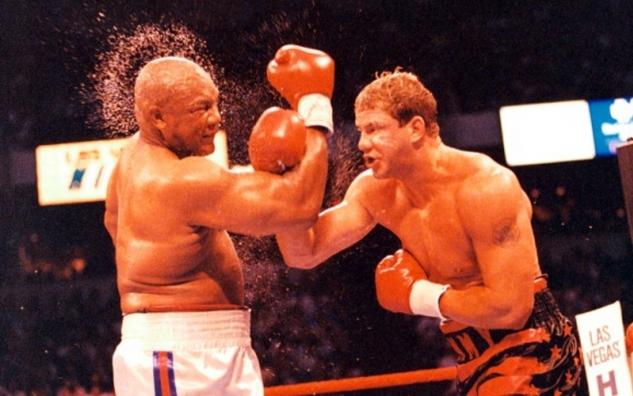 Tommy Morrison vs. George Foreman / zdroj foto: www.boxingscene.com