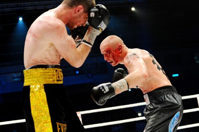 Krvavá zranění patří k profesionálnímu boxu, přibudou nyní i v amatérském ringu?