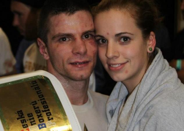 Martin Parlagi s titulem a přítelkyní Martinou Schmoranzovou / zdroj foto: Stanislav Škoda